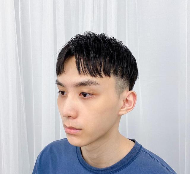 夏天男生试试这样剪发型,清爽干净不失帅气